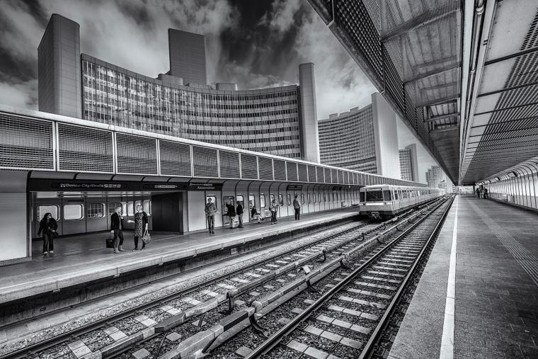 2-photo-trains_pexels-1.jpg